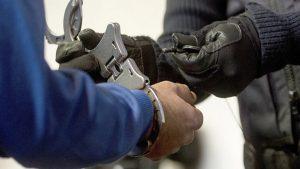 В Киргизии по подозрению в наркоторговле задержаны полковники милиции