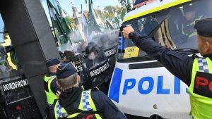 В Швеции полиция сорвала марш неонацистов