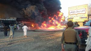 На востоке Афганистана боевики взорвали нефтяную цистерну