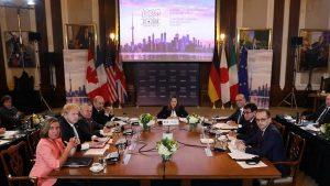 Страны G7 угрожают России новыми санкциями