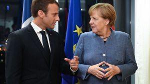 Закулисье: Порошенко встречается с Макроном и Меркель в немецком Аахене