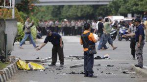 В трех церквях Индонезии произошли взрывы