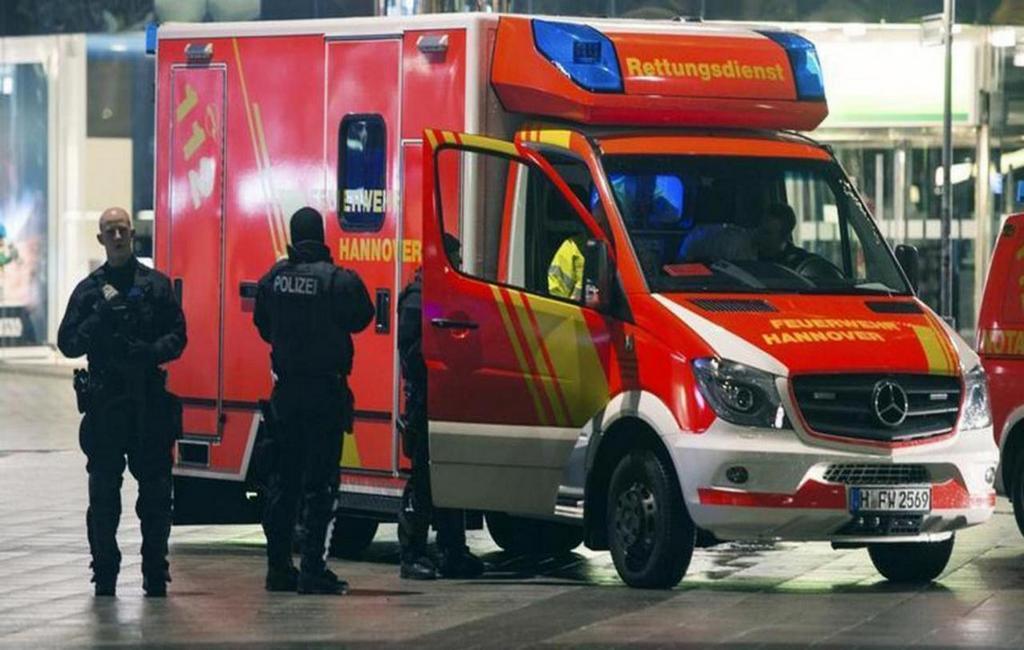 ВГермании 81-летний шофёр врезался ввелосипедистов