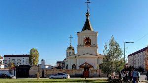 Силовики установили личности напавших на церковь в Грозном боевиков