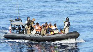 Девять мигрантов погибли при крушении судна в Антальи