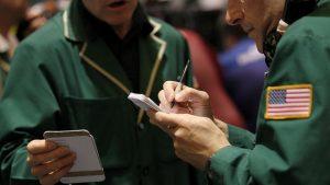США фиксируют снижение интереса в мире к своим долговым бумагам