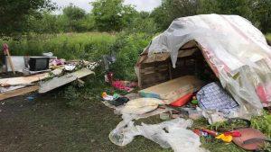 Вблизи Львова неизвестные напали на лагерь цыган