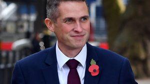 СМИ: министр обороны Британии угрожает Терезе Мэй отставкой