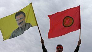 Курдские повстанцы приостановили военные действия против армии Турции
