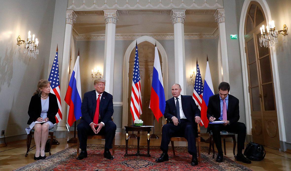 Демократы США требуют отпереводчика Трампа раскрыть его беседу сПутиным