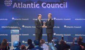 Азаров: «Атлантический совет» США разрушил Украину