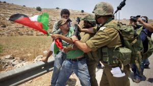 Более 100 палестинцев ранены в стычках с израильтянами