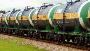 Казахстан ограничит поставки бензина из России