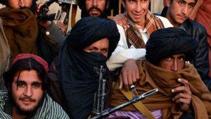 На западе Афганистана командир и 50 боевиков сдались властям