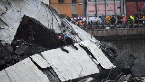 35 человек погибли при обрушении моста в Генуе