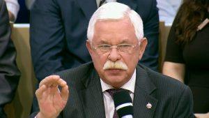 Руцкой рассказал о трехсуточном запое Ельцина и о его попытках сбежать в посольство США во время путча