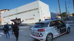 Нападение на полицию в Каталонии расценено как попытка теракта