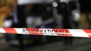 Человек с ножницами атаковал прохожих в Париже