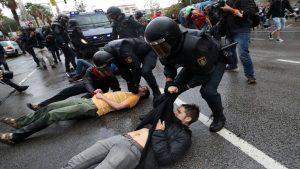 В Барселоне в столкновениях с полицией пострадали 24 человек