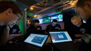 Британия изучает возможность кибератаки на Россию