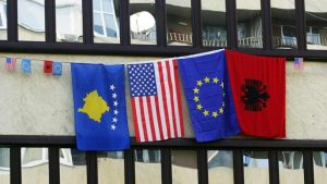 Еврокомиссия уже «объединила» Косово и Албанию