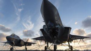 США приостановили полеты всех истребителей F-35