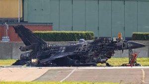 Сгоревший на авиабазе F-16