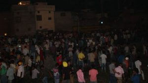Поезд въехал в толпу людей в Индии: сообщается о 60 погибших