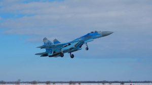 На выбор: Военная прокуратура Украины назвала возможные причины аварии Су-27