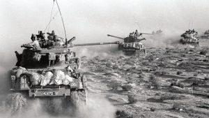 М51 на марше в пустыне