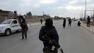 Боевики ИГ взяли на себя ответственность за обстрел автобусов с паломниками в Египте