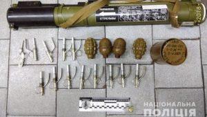 В Харьковском метро поймали военного с гранатомётом в рюкзаке