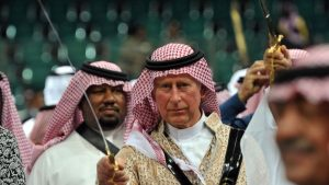 Принц Чарльз читает Коран, выступает против вторжения в Ирак и запрета на никаб в странах Европы