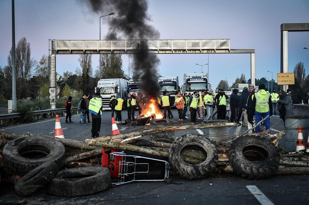 Число пострадавших наакциях протеста воФранции превысило 500 человек