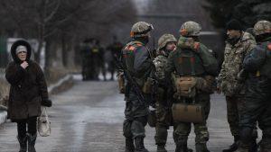 Военное положение осложнит бытие жителям оккупированной ВСУ части Донбасса