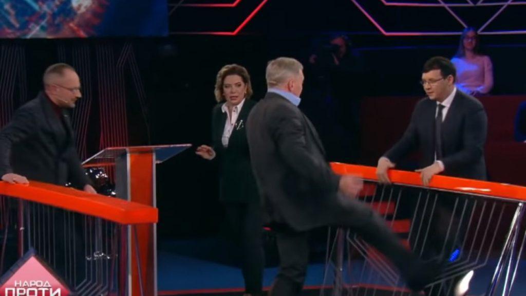 Замминистра напал на народного депутата  Мураева впрямом эфире