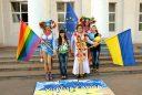 Epic fail: Свидомит «оседлал» крымскую гору и под стихи Шевченко помахал украинским флагом