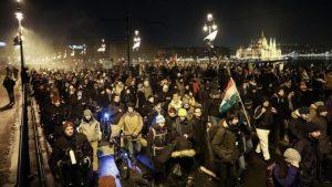 Антиправительственные протесты в Венгрии: второй раунд