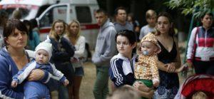 На птичьих правах: Беженцам от войны в Донбассе Киев даёт «условия минимума»