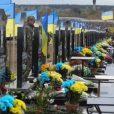 Депутаты Харьковского городского совета выделили из бюджета средства на установку памятников украинским военным, погибшим в так называемой АТО и принимавшим активное участие в боевых действиях против мирных жителей Донбасса.