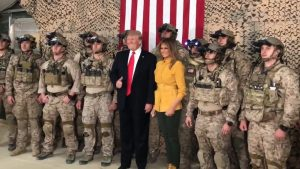 Трамп посетил базу США в Ираке