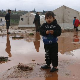 Лагеря беженцев в сирийском Идлибе страдают от наводнений
