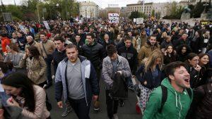 Протесты в Сербии: Оппозиция выступила за отставку Вучича