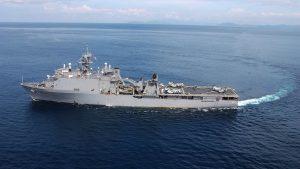 Американский десантный корабль вошел в акваторию Черного моря