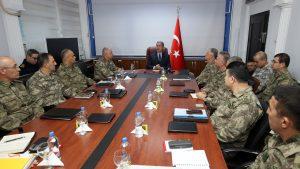 Турция не отказывается от планов операции в Сирии