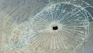стекло автомобиль обстрел