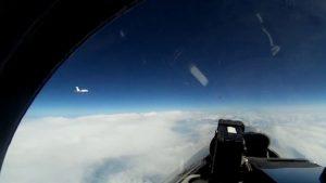 Видео: Су-27 перехватил шведский разведчик «Гольфстрим» над Балтикой