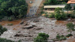 в Бразилии обрушилась дамба