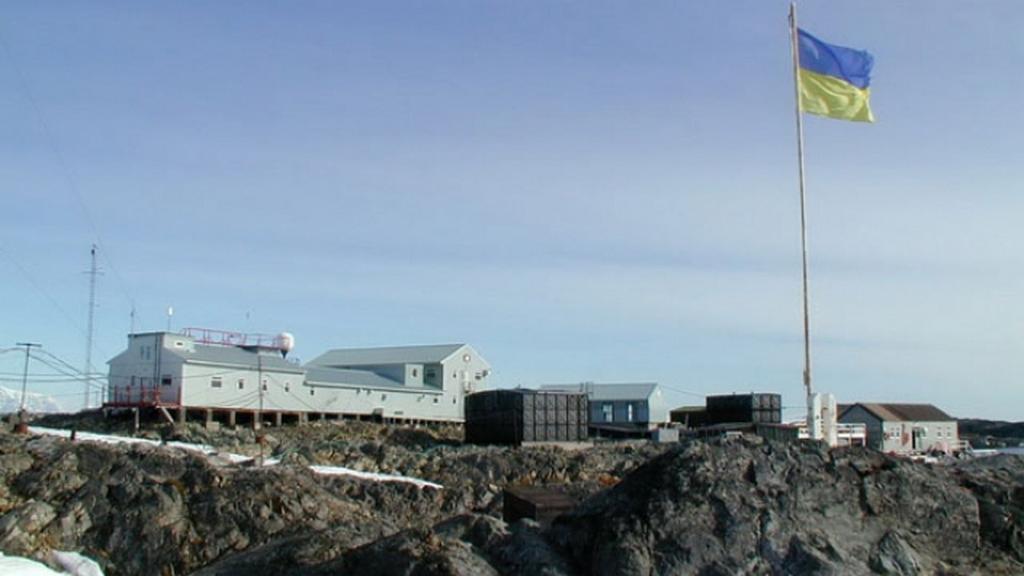 Украина в Антарктиде. Пингвины в вышиванках