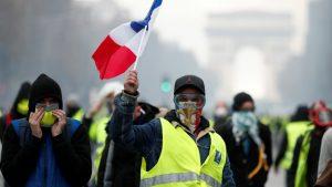 Видео: Протесты «Жёлтых жилетов» в Париже